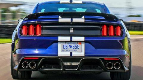 2019 Ford Mustang Shelby GT350 – The Best Camaro ZL1 rival